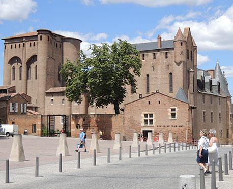 La place Sainte Cécile d'Albi par Loïc Bourniquel