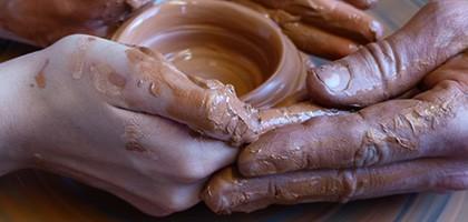 La créativité des tourneurs des poteries d'Albi