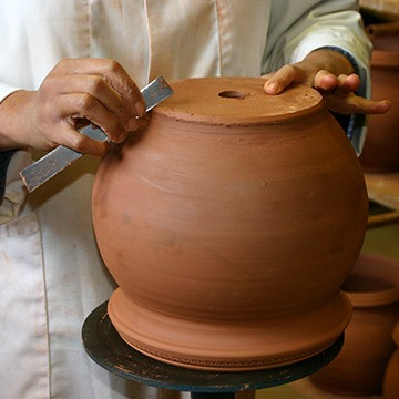 L'ébarbeur des poteries d'Albi