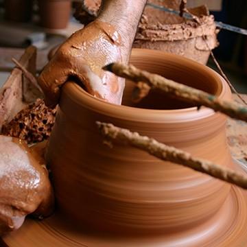 Le savoir faire du potier des poteries d'Albi